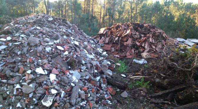O BNG denuncia a existencia dunha escombreira en zona verde do Pxom
